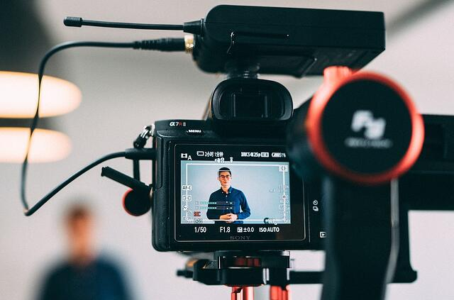 Make your content entertaining. Add a little bit of video and other rich media files to improve your internal communications.